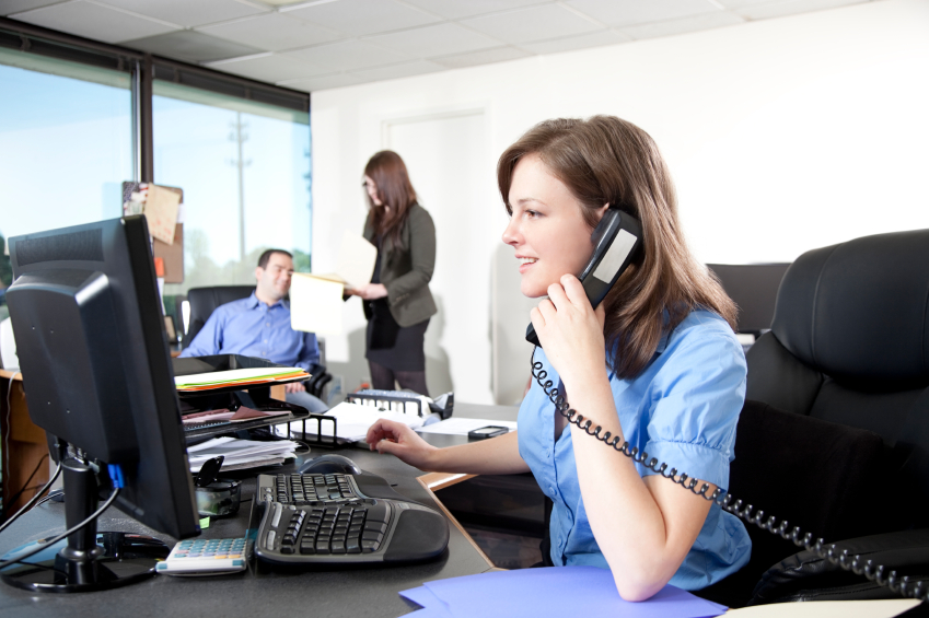 Hablar por tel fono el tel fono y la empresa for La oficina telefono